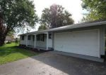 Foreclosed Home en UPPER MOUNTAIN RD, Lockport, NY - 14094