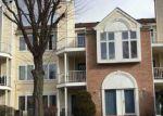 Foreclosed Home en DEVON WAY, Levittown, PA - 19057