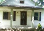 Foreclosed Home en DREYFUS RD, Waco, KY - 40385