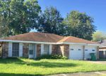 Foreclosed Home en ROSELAWN DR, Morgan City, LA - 70380