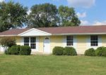 Foreclosed Home en W YOUNG AVE, Hoopeston, IL - 60942