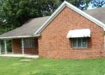 Foreclosed Home en N 4TH AVE, Piggott, AR - 72454