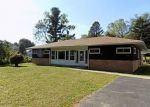 Foreclosed Home en GIBRALTAR RD, Reading, PA - 19606