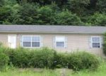 Foreclosed Home en TINY HOLLOW RD, Newcomerstown, OH - 43832