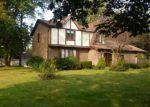 Foreclosed Home en OBRIEN DR, Lockport, NY - 14094