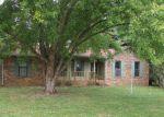 Foreclosed Home en OAK TREE DR, Oak Grove, KY - 42262