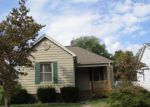 Foreclosed Home en N COMBS AVE, Collinsville, IL - 62234