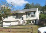 Foreclosed Home en CELANTANO DR, Naugatuck, CT - 06770
