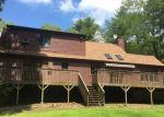 Foreclosed Home en TURNPIKE RD, Ashford, CT - 06278