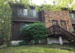 Foreclosed Home en CLIFFSIDE DR, Manchester, CT - 06042