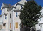 Foreclosed Home en RIDGE ST, Providence, RI - 02909