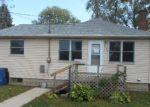 Foreclosed Home en ACKERMANT ST, Waterloo, IA - 50703