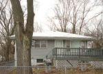 Foreclosed Home en SHERIDAN RD, Zion, IL - 60099