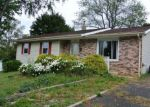 Foreclosed Home en LINDEN AVE, Feasterville Trevose, PA - 19053