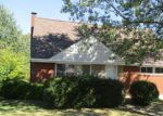Foreclosed Home en LEONA DR, Pittsburgh, PA - 15227