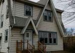 Foreclosed Home en HARRISON ST, Little Falls, NJ - 07424