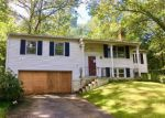 Foreclosed Home en DELWOOD AVE, Clinton, CT - 06413