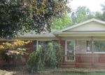 Foreclosed Home en PARKWOOD ST, Westland, MI - 48186