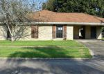 Foreclosed Home en MELODY DR, Houma, LA - 70363