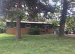 Foreclosed Home en E 12TH AVE, Winfield, KS - 67156