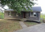 Foreclosed Home en HICREST DR, Mount Sterling, KY - 40353