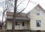 Foreclosed Home en 4TH AVE SW, Hutchinson, MN - 55350