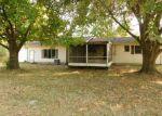 Foreclosed Home en N 10TH ST, Herrin, IL - 62948