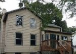 Foreclosed Home en W CLARK ST, Freeport, IL - 61032
