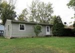 Foreclosed Home en E 1ST ST, Hartford City, IN - 47348