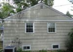 Foreclosed Home en MAPLE ROW, Bethel, CT - 06801