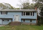 Foreclosed Home en STOLLMAN RD, Colchester, CT - 06415