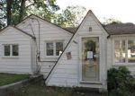 Foreclosed Home en PAUL AVE, Eatontown, NJ - 07724