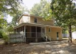 Foreclosed Home en PATTERSON ST, Raeford, NC - 28376