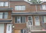 Foreclosed Home en MARINERS LN, Staten Island, NY - 10303