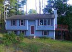 Foreclosed Home en PULASKI HILL RD, Harrisville, RI - 02830