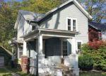 Foreclosed Home en ELMWOOD AVE, Lockport, NY - 14094
