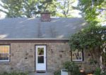 Foreclosed Home en CUTSPRING RD, Stratford, CT - 06614
