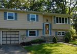 Foreclosed Home en FLINTLOCK DR, Toms River, NJ - 08753