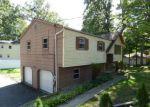 Foreclosed Home en ACORN ST, Stanhope, NJ - 07874