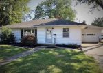 Foreclosed Home en E WATER ST, Oak Harbor, OH - 43449