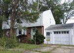 Foreclosed Home en WESTMORELAND DR, Trenton, NJ - 08618
