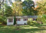 Foreclosed Home en VIRGINIA LN, Tolland, CT - 06084