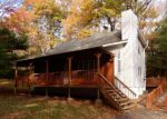 Foreclosed Home en TANBARK DR, Milford, PA - 18337