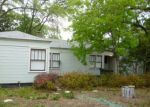 Foreclosed Home en W COLL ST, New Braunfels, TX - 78130