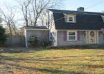 Foreclosed Home en MASSASOIT AVE, Barrington, RI - 02806