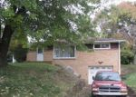 Foreclosed Home en MEADOWCREST RD, Pittsburgh, PA - 15236