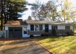 Foreclosed Home en WESTVIEW DR, Vestal, NY - 13850