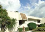 Foreclosed Home en W COUNTRY CLUB DR N, Sarasota, FL - 34243