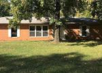 Foreclosed Home en ROGER DR, Collinsville, IL - 62234