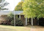 Foreclosed Home en VILLAGE RD, Hot Springs National Park, AR - 71913